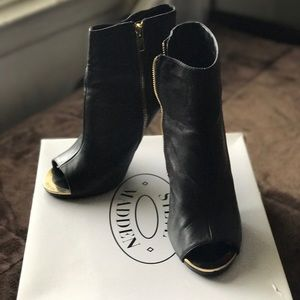 Steve Madden-Ankle open toe boots